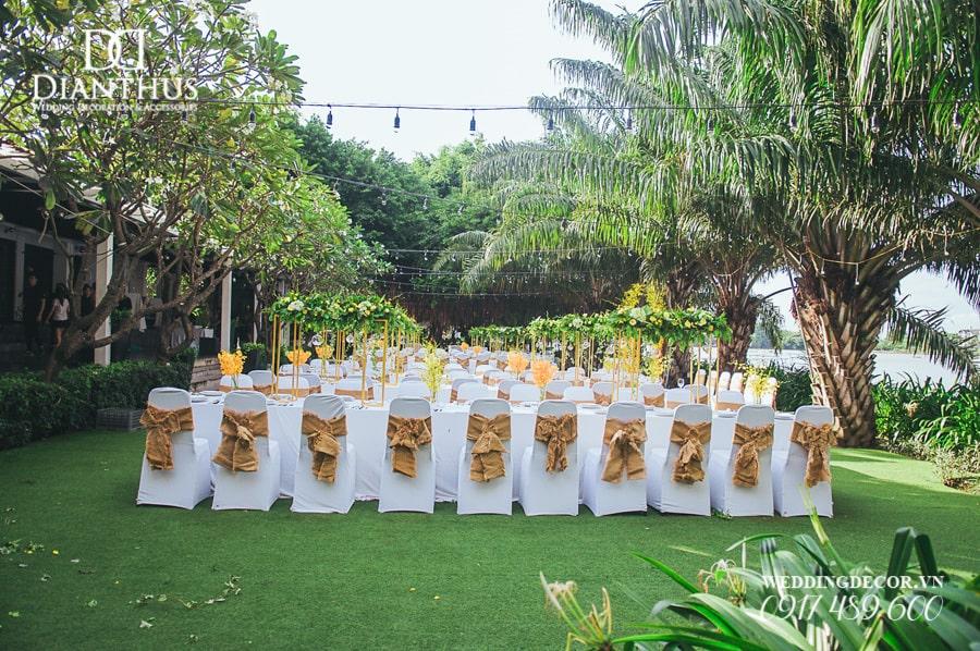 Chi phí tổ chức tiệc cưới ngoài trời mắc hay rẻ?