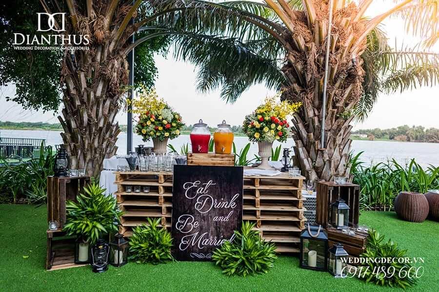 Phân biệt backdrop chụp ảnh cưới và backdrop sân khấu tiệc cưới?